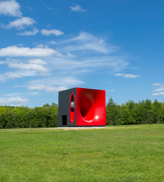 """Sectional Body preparing for Monadic Singularity, 2015, Courtesy Kapoor Studio, Kamel Mennour and Lisson Gallery, photo: © Fabr"